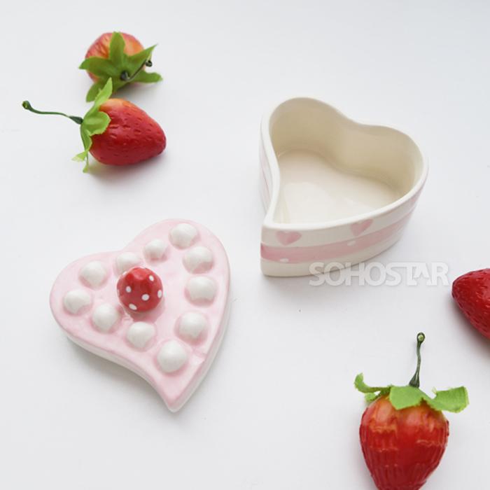딸기 하트 도기 캐니스터